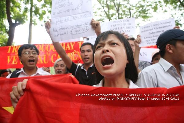 Chùm ảnh biểu tình lần 2: 12/6/2011 của Mai Kỳ, AFP   ixij